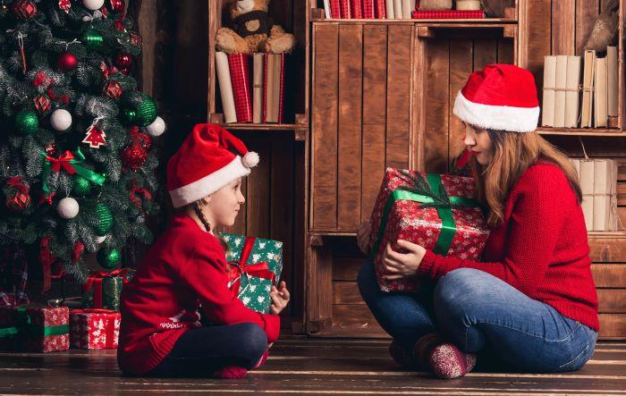Karácsonyi ajándék, mely hasznos és szórakoztató. Tippek tanácstalan szülőknek